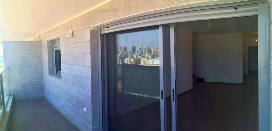 Location Netanya, Kyriat Hasharon de 5 chambres à 5499₪