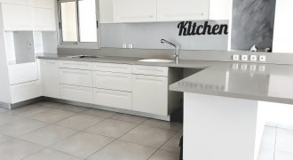 location appartement de luxe kiryat Hasharon (Netanya) 5 pieces 130m2