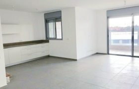 location appartement neuf  5 pieces 4400 shekels Kfar yona ( Sharona)