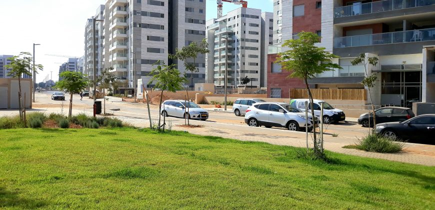 location appartement neuf  5 pieces 4400 shekels Kfar yona ( Sharona)